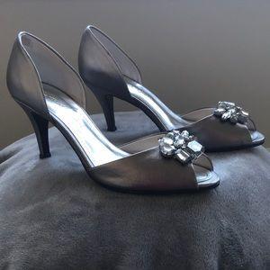 NEW Silver bejeweled peep toe heels - Sz 8.5